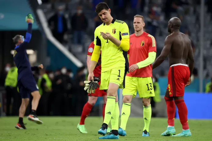 Courtois phục thắng lợi của Italy